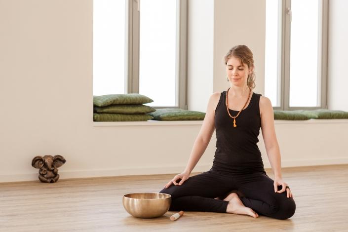 Personality Portrait Lokation Meditation