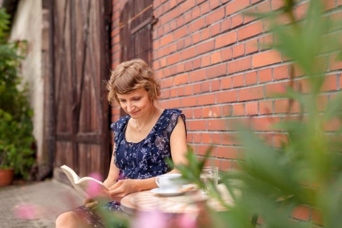 Personality Portrait Outdoor Lesen
